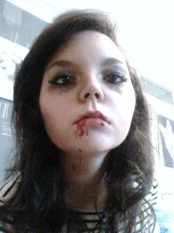 mon maquillage d 39 haloween inspirer de vampire diaries biensur vampire diaries. Black Bedroom Furniture Sets. Home Design Ideas